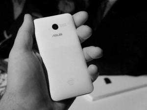 มือถือASUS Zenfone 4  ราคาล่าสุด 3,990 บาท